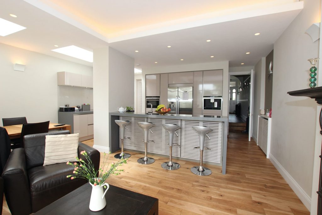Gloss Laminate Kitchen