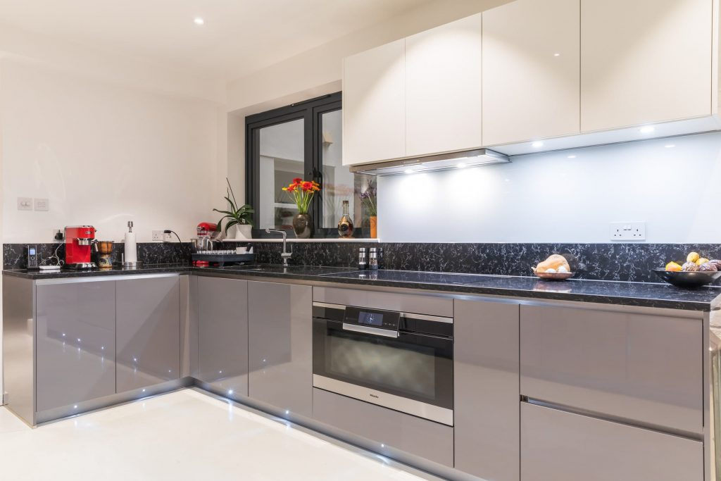 High gloss two-tone kitchen
